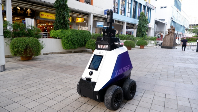Robot patrulla