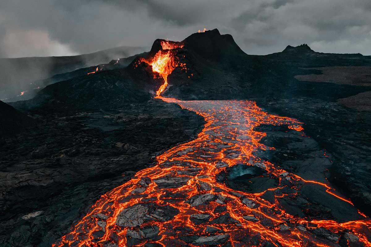 Entre los volcanes que cambiaron la historia está el Krakatoa.