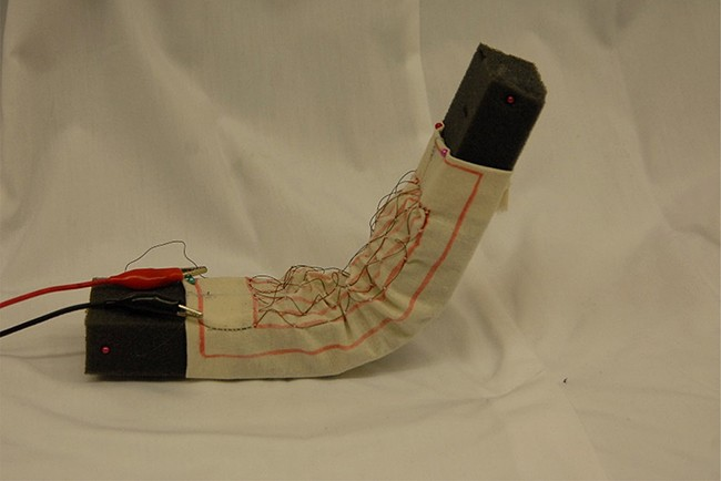 Tela robótica