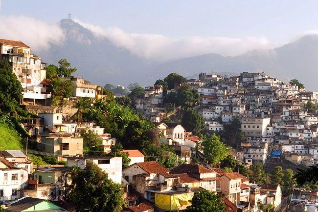 1024px-1_rio_de_janeiro_slum_2010