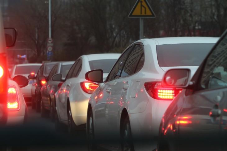 traffic-jam-688566_1920