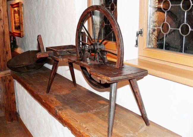 spinning-wheel-1126016_960_720