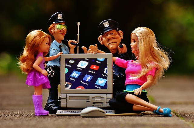 barbi-policia