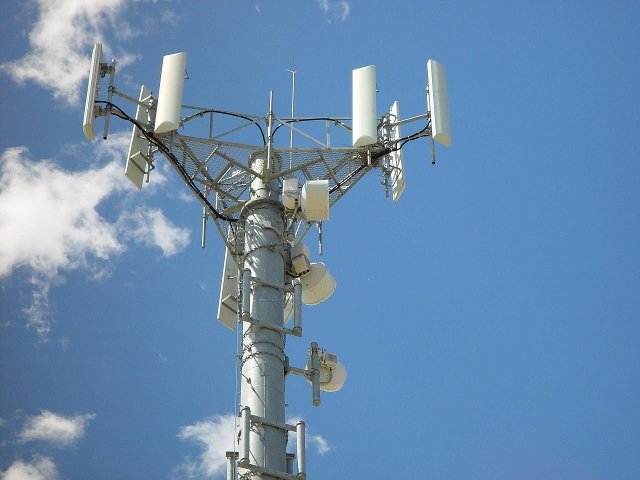 torre telefonía para vehículos conectados futuro negocios