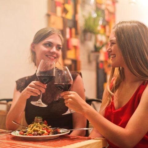 3 aplicaciones gratuitas para elegir el vino perfecto