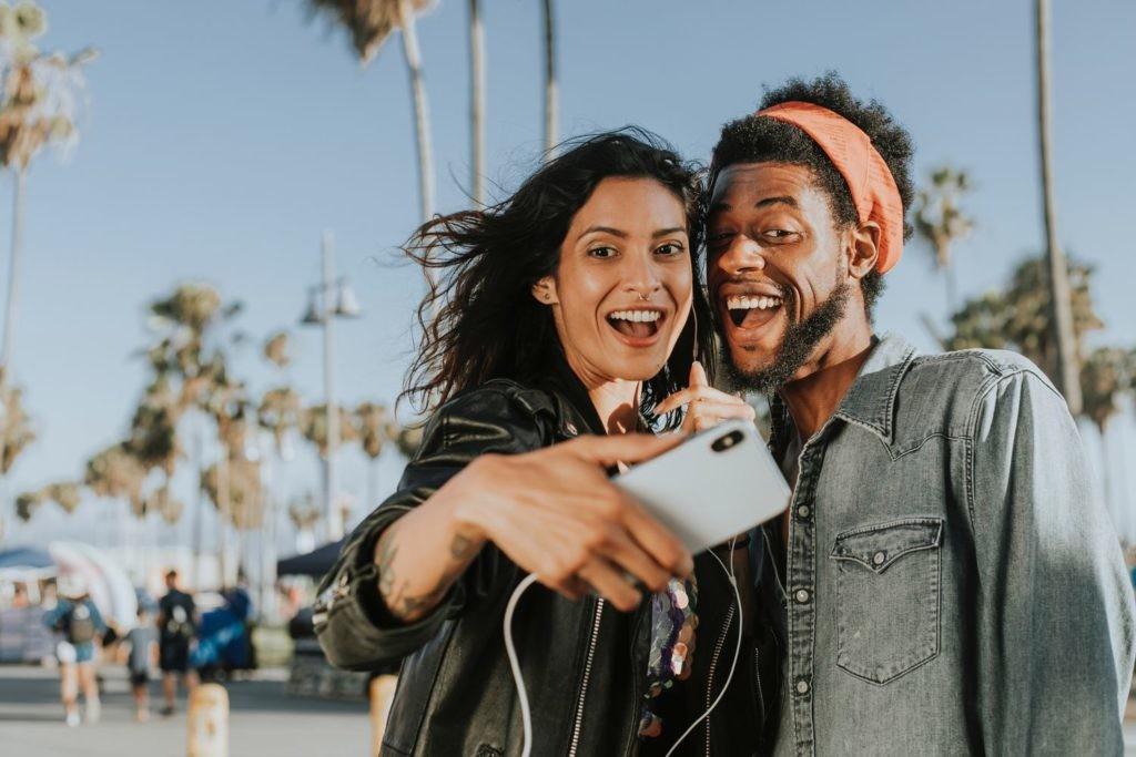 Las imágenes que captamos en los selfies pueden condicionar también nuestra memoria.