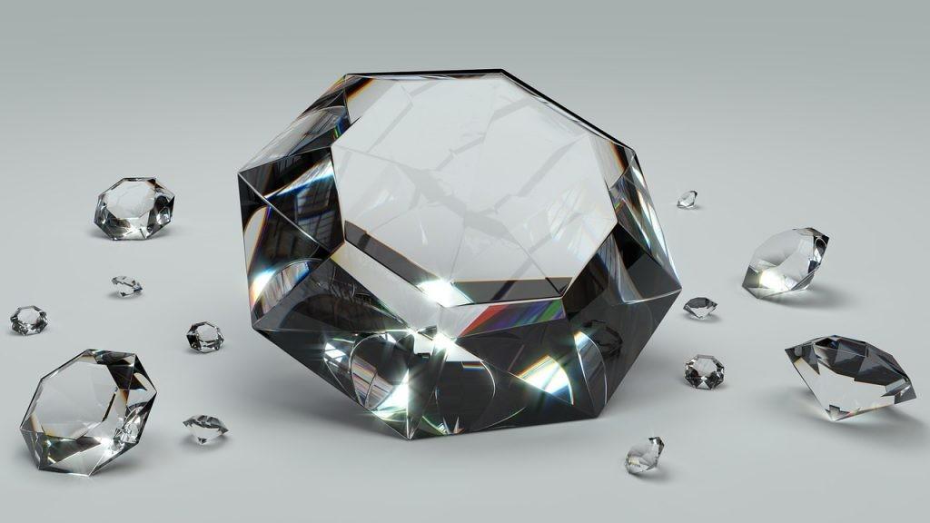 Los diamantes sintéticos es uno de los resultados de la unión entre tecnologia y joyería.