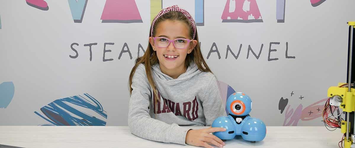 Valeria Corrales anima a otros niños a adentrarse en el mundo de la programación y la robótica a través de su canal de Youtube.