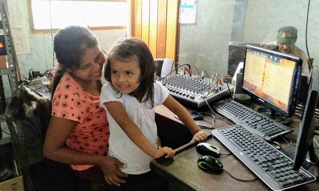 adio Cocaleros, Bolivia, uno de los proyectos de 'Medios Indígenas'.
