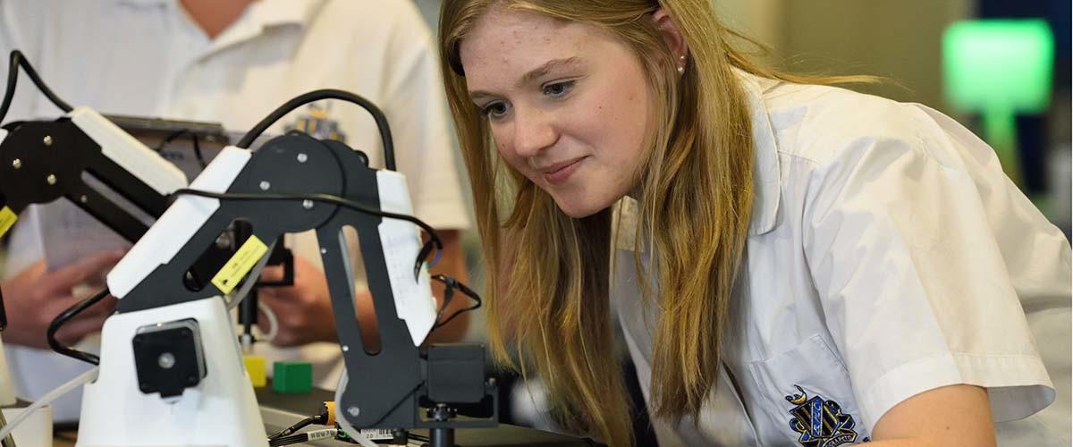 Analizamos la situación de la mujer en las disciplinas STEM.