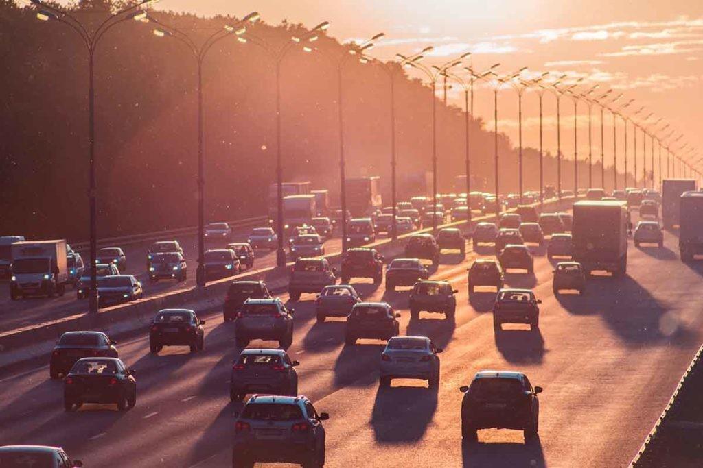 ¿Qué opinan los españoles sobre el cambio climático? Muy pocos, que seguir usando coches de gasolina y diésel.