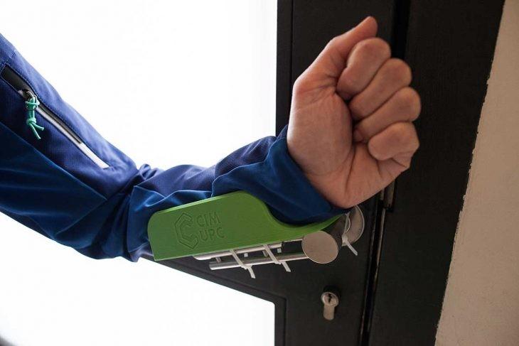 Impresión 3D frente al coronavirus: manetas para abrir puertas sin usar las manos.