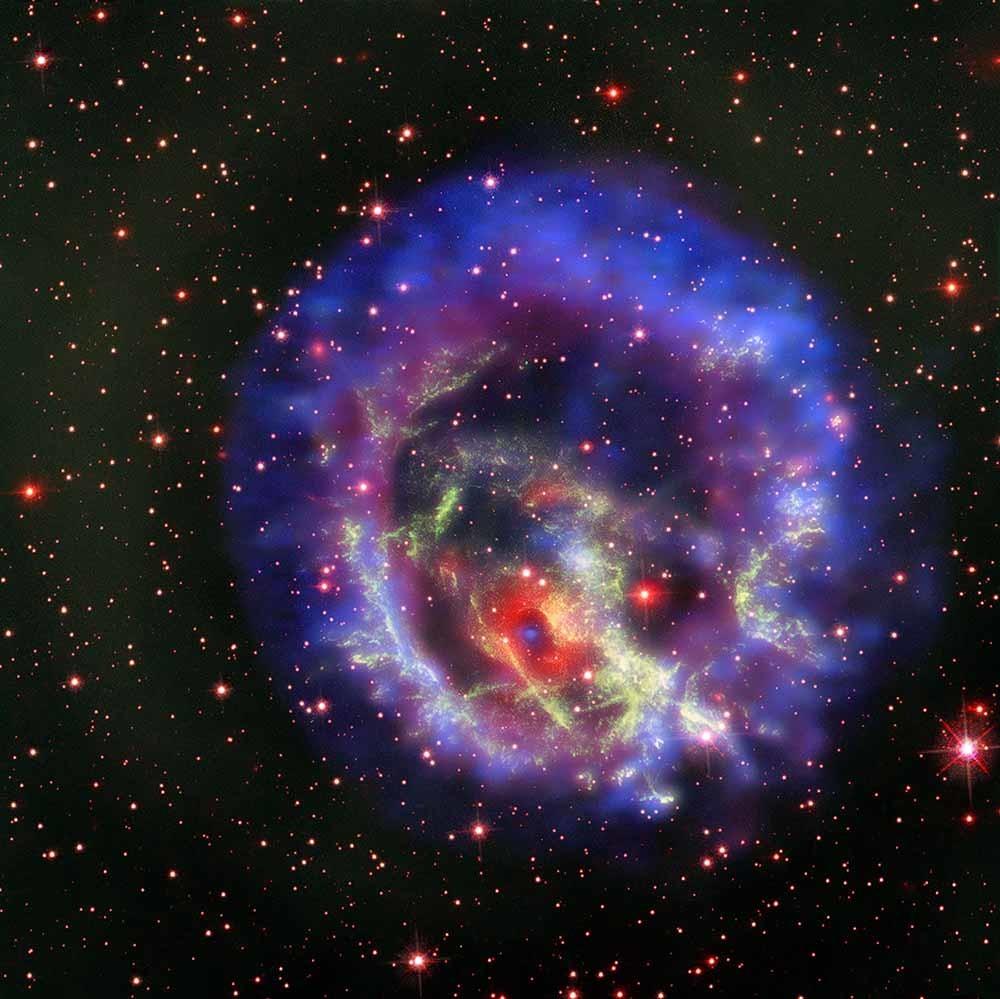 estrella de neutrones formándose en una supernova