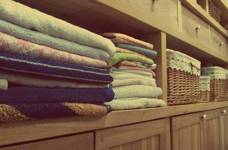 toallas cestos armarios