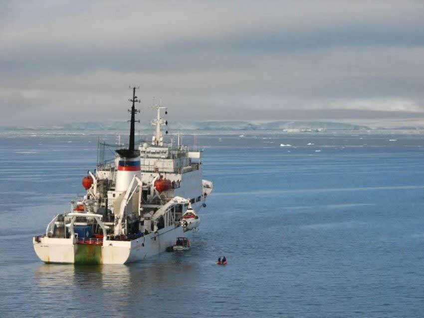 barco de exploración ártica