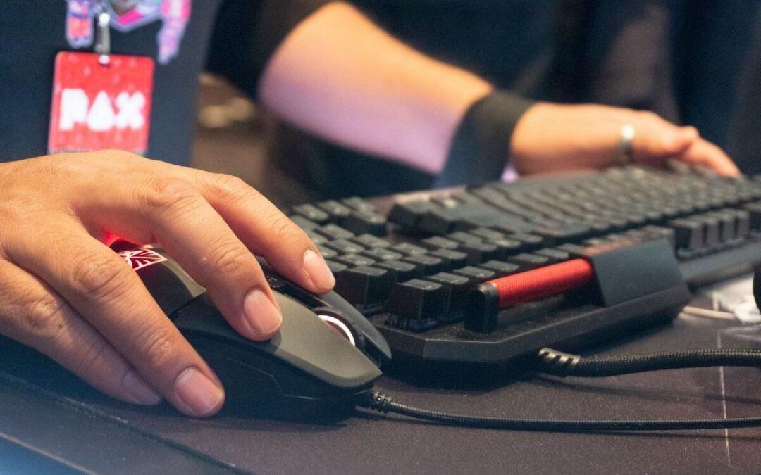 Por qué jugar con un ratón aumenta tu precisión sin la ayuda de autoaim