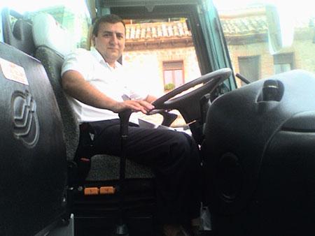 Cyberdire en su autobús en Madrid