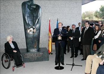 Monumento en recuerdo a las víctimas de tráfico
