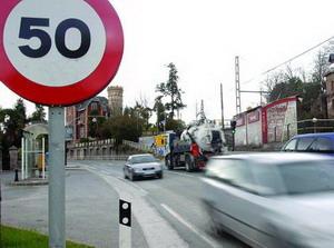señal tráfico velocidad