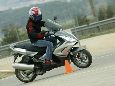 2501-cursos-conduccion1.jpg