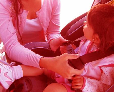 Nunca deje a niños en un coche cerrado