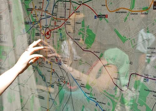 Un plano con la típica señal de localización