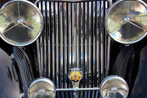 El radiador es uno de los elementos fundamentales para mantener la temperatura del motor en los niveles de diseño