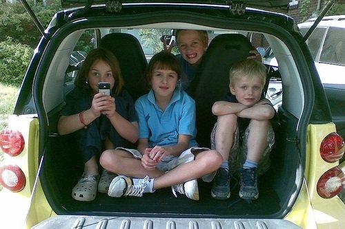 Niños sin silla infantil