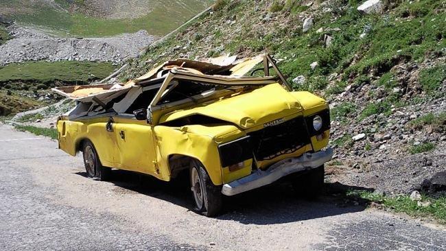 Land Rover siniestrado