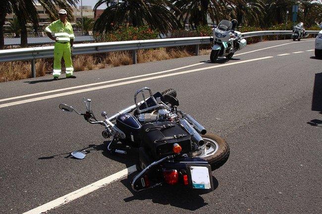 Moto caída y mantenimiento por golosox34