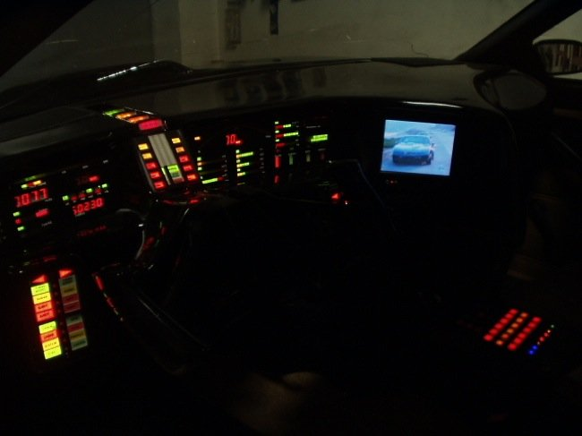 knight_rider_supercar_kitt_instrumentation.jpg