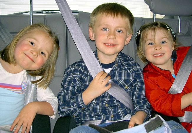 Asientos infantiles y cinturones de seguridad