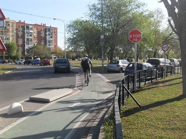 Stop en el carril bici