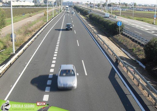 carril de salida en autovía