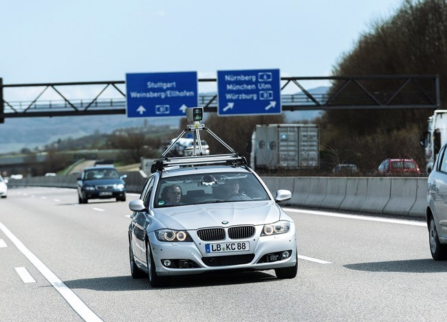 Bosch prueba el coche autónomo en una autobahn