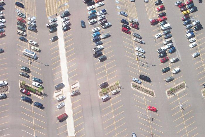 Encontrar el coche en el aparcamiento