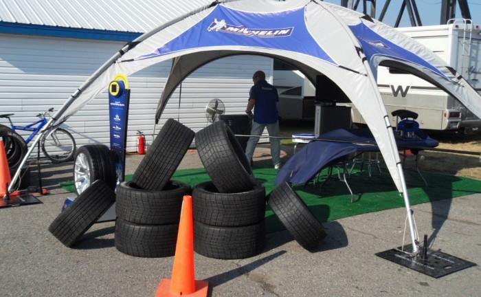Cómo comprar neumáticos seguros y eficientes