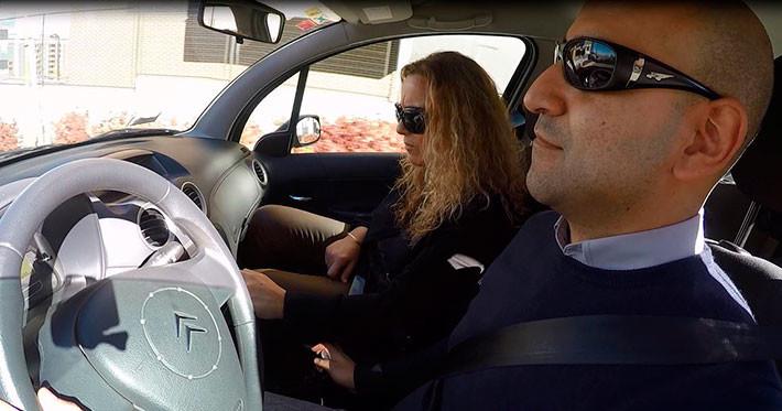Cómo afecta el airbag a un conductor con gafas