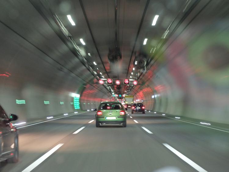 Adelantamiento en túnel