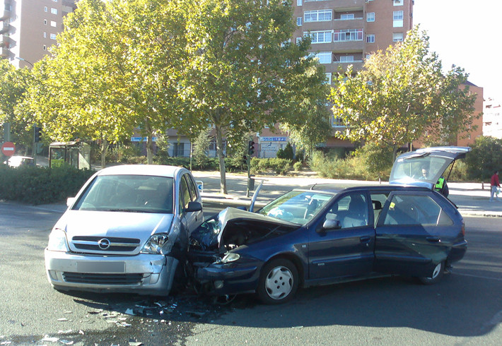 Accidente entre dos coches