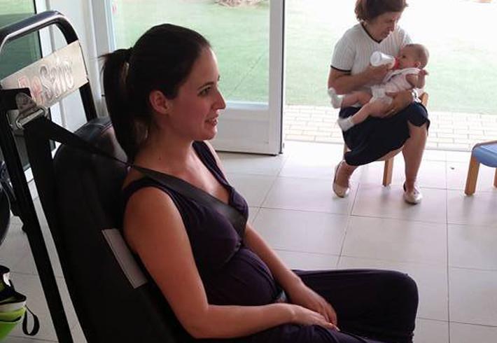 Embarazada al volante