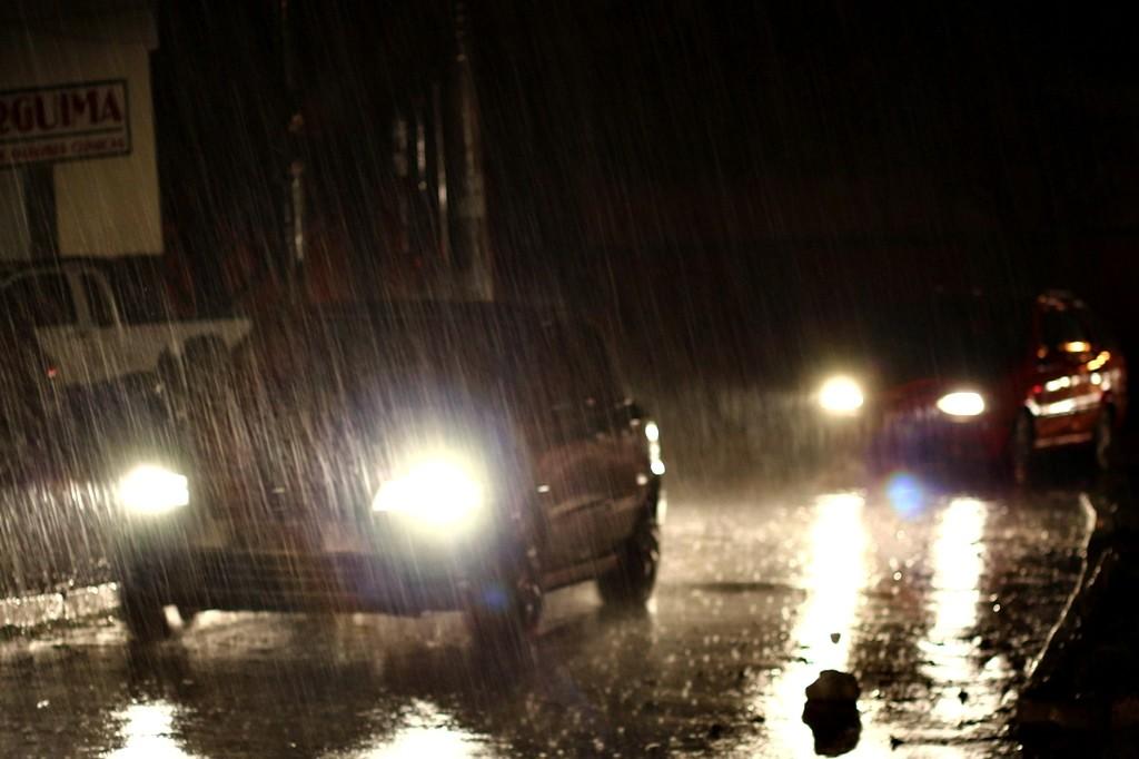 conduccion nocturna lluvia