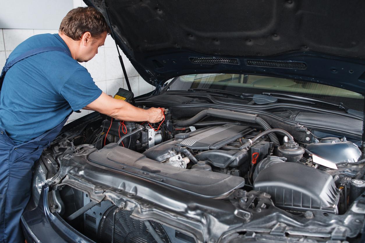 mecanico coche taller motor