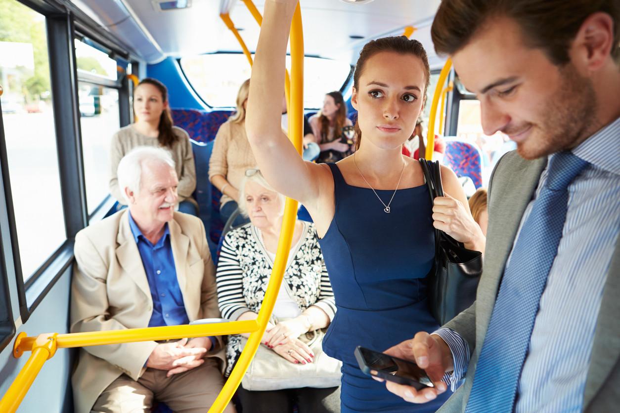 Personas en un autobús