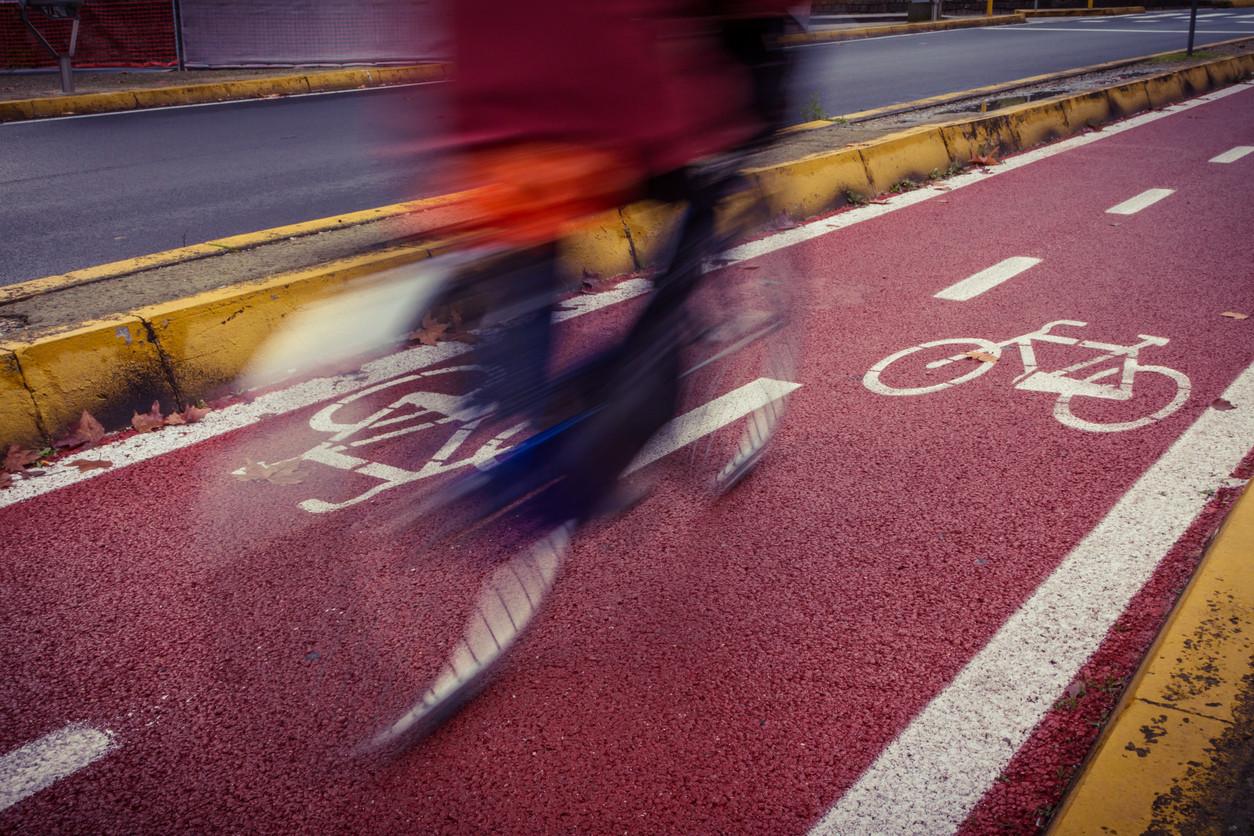 Carril bici segregado en ciudad