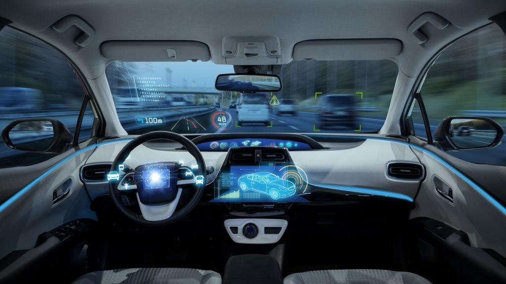HUD de vehículo autónomo futuro