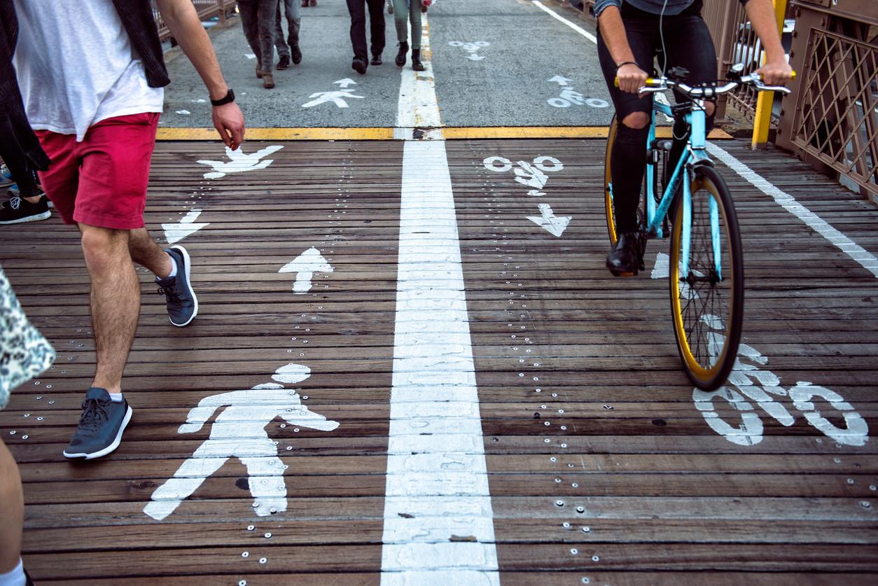 Carril bici y peatonal