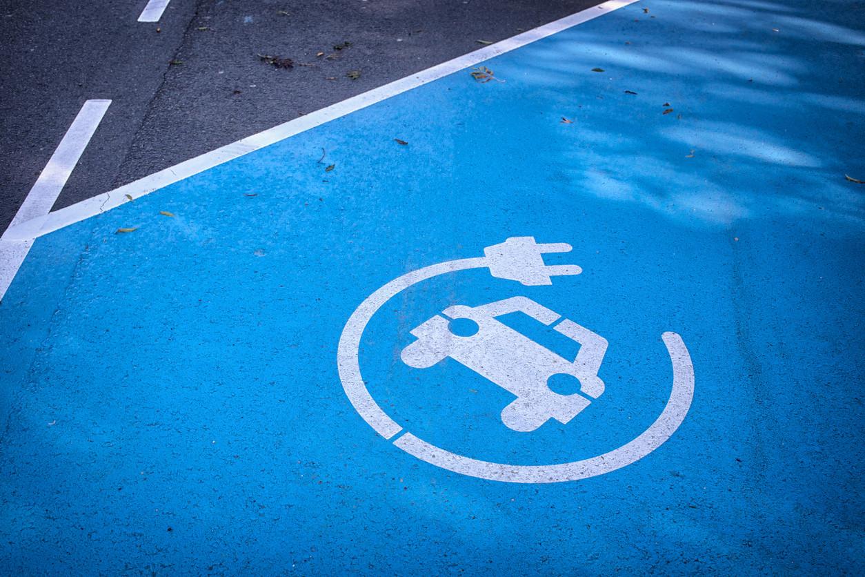 Aparcamiento de coches eléctricos