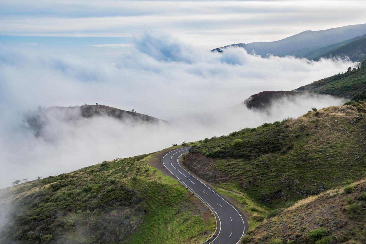 Infraestructura vial contra niebla