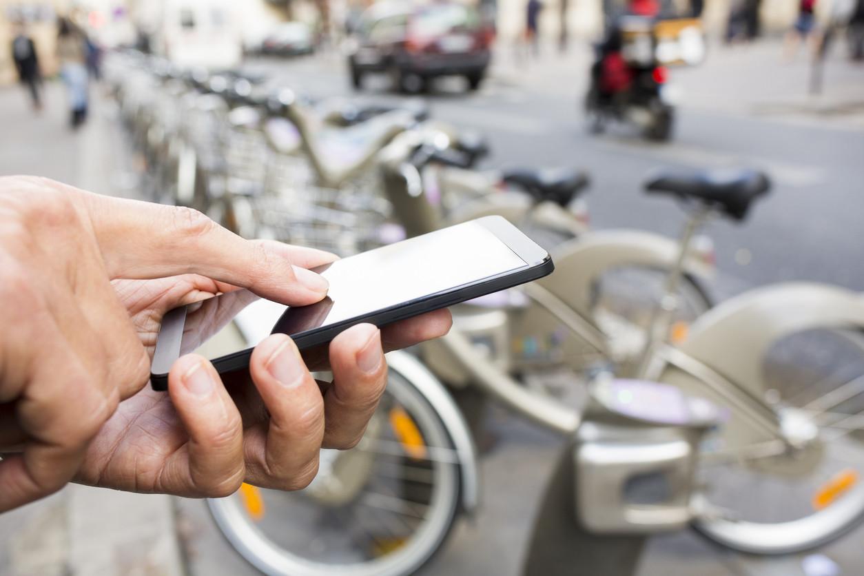 Bicicleta y smartphone